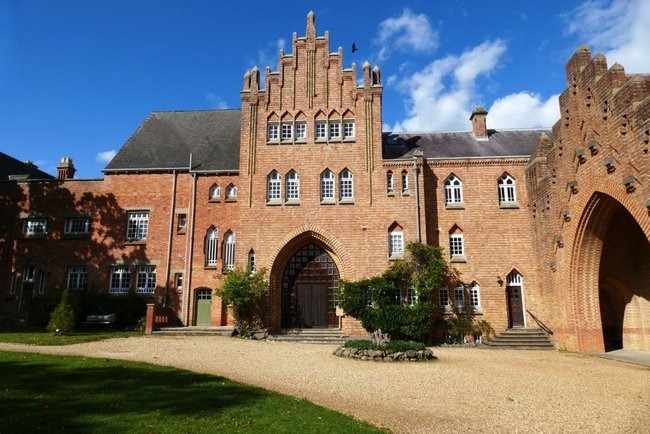 Quarr Abbey.jpg